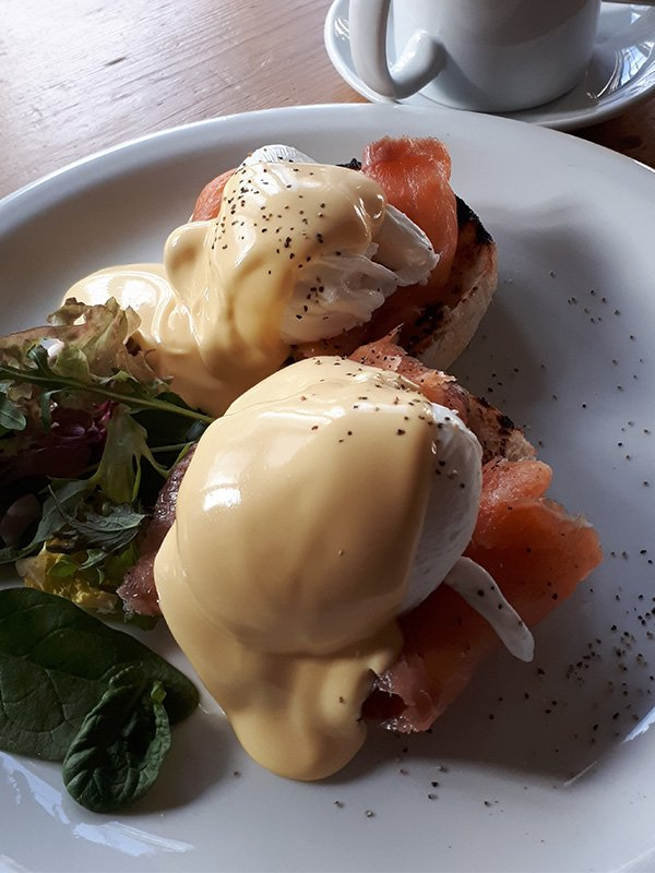 eggs royale with salmon and hollandaise